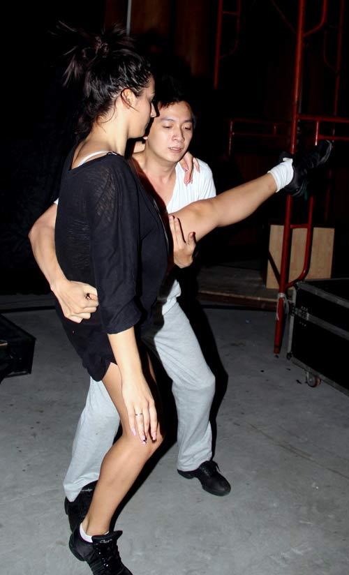 Ket Ban Qua Yahoo! http://saigonnews.vn/van-hoa/87219-ngoc-quyen-sexy