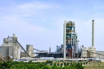Nhà máyximăng Cẩm Phả đang ngập sâu trong lỗ, nợ nhiều nghìn tỉ đồng.
