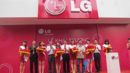 Lễ khai trương LG Brand Shop đầu tiên tại Việt Nam.