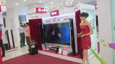 Gian trưng bày LG Cinema 3D thế hệ mới nhất.
