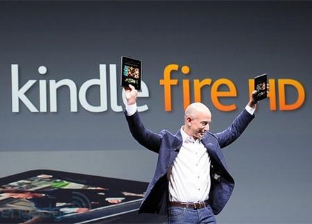 CEO Jeff Bezos và bộ đôi máy tính bảng Kindle Fire HD