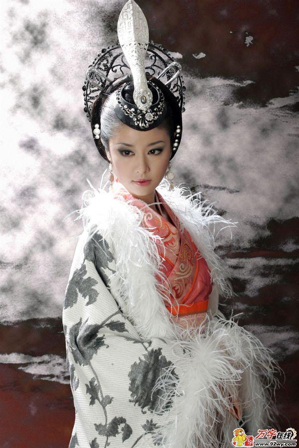 tu-vy-2011-noi-got-lam-tam-nhu-hoa-cao