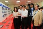 Chủ tịch nước thăm nhà máy Wintek Bắc Giang