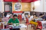 Quán phở trộn bấm giờ phục vụ trong 3 phút ở Sài Gòn