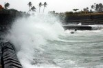 Gió giật cấp 7, lốc xoáy trên biển Đông