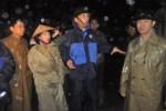 Quảng Ninh hỗ trợ người dân chống chọi với trận mưa ngập lịch sử