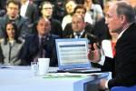 """Kịch bản thú vị của Putin khi """"xin"""" đại tá về hưu cho vợ nuôi chó"""