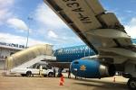 Máy bay Tết liên tục trễ chuyến
